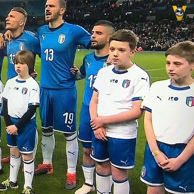 Năm lần bảy lượt bị BTC giải đấu cà khịa chiều cao khiêm tốn, Messi nước Ý tỏ thái độ khó chịu ra mặt - Ảnh 4.