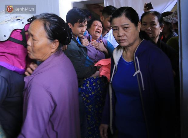 Tang thương ngôi làng nơi xảy ra vụ lật thuyền khiến 6 người chết: Có nỗi đau nào tột cùng hơn một lúc mất cả vợ lẫn 2 con thơ - Ảnh 4.
