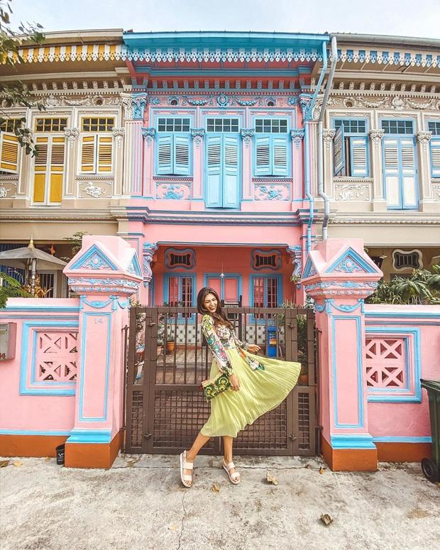 """Vừa phát hiện con phố 7 sắc cầu vồng cực hiếm người biết ở Singapore, hình sống ảo cứ tăng dần đều mỗi ngày vì background quá """"xịn"""" - Ảnh 9."""