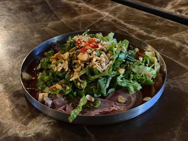 """Trò chuyện với vị đầu bếp chê trách gay gắt nhà hàng của Christine Hà: """"Khi thấy cách phản hồi của họ thì tôi nghĩ cái nhà hàng này nên dẹp đi!"""" - Ảnh 4."""
