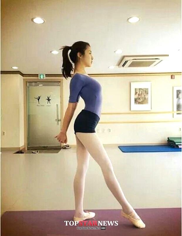 Bạn gái hiếm hoi Hyun Bin chịu công khai Kang Sora: Cô gái mũm mĩm giảm 30kg thành chân dài nóng bỏng và mối tình tốn nhiều giấy mực - Ảnh 13.