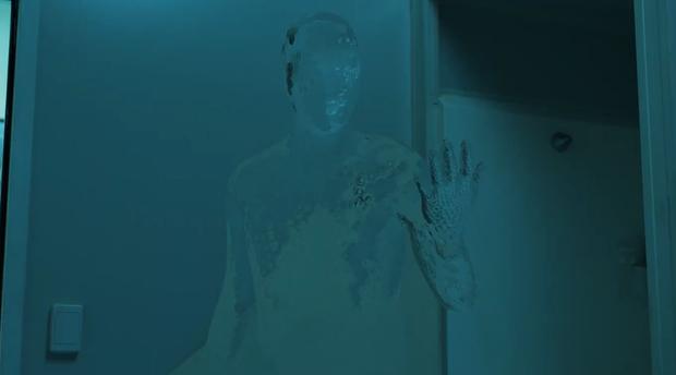 Review The Invisible Man: Kinh dị giả tưởng hay gai người, lời cảnh tỉnh cho hội mê soái ca lắm tiền - Ảnh 4.