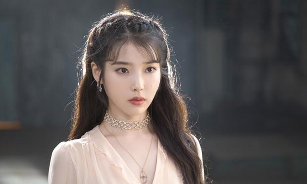 Rộ tin NXS Tầng Lớp Itaewon từng chọn IU cho vai điên nữ, netizen thở phào may quá cổ không nhận lời! - Ảnh 2.