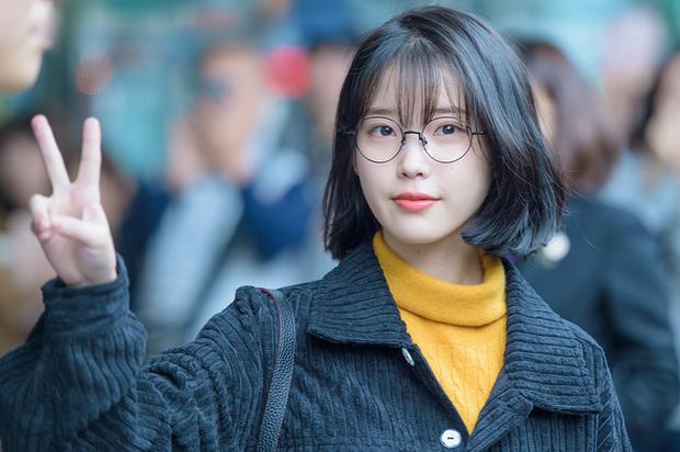 Rộ tin NXS Tầng Lớp Itaewon từng chọn IU cho vai điên nữ, netizen thở phào may quá cổ không nhận lời! - Ảnh 3.