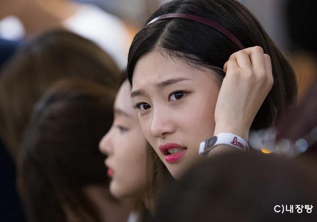 Blogger chuyên đăng ảnh chưa chỉnh của idol Kpop: HyunA và dàn mỹ nhân quá dừ, BTS gây choáng nặng - Ảnh 14.