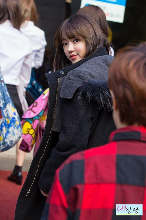 Blogger chuyên đăng ảnh chưa chỉnh của idol Kpop: HyunA và dàn mỹ nhân quá dừ, BTS gây choáng nặng - Ảnh 15.