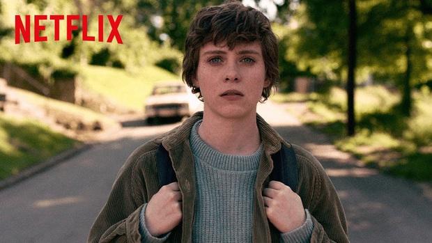 Review I AM NOT OKAY WITH THIS: Món trộn drama tuổi teen với phim siêu anh hùng, thành dễ ăn, ngọt vị - Ảnh 2.