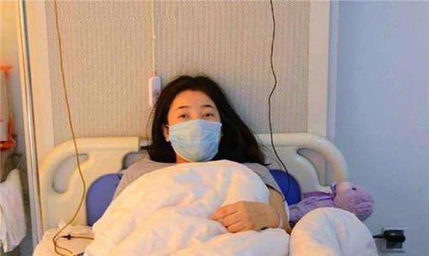 Cô sinh viên 22 tuổi phát hiện mình mắc ung thư dạ dày chỉ vì thói quen ăn cay từ khi còn nhỏ - Ảnh 1.