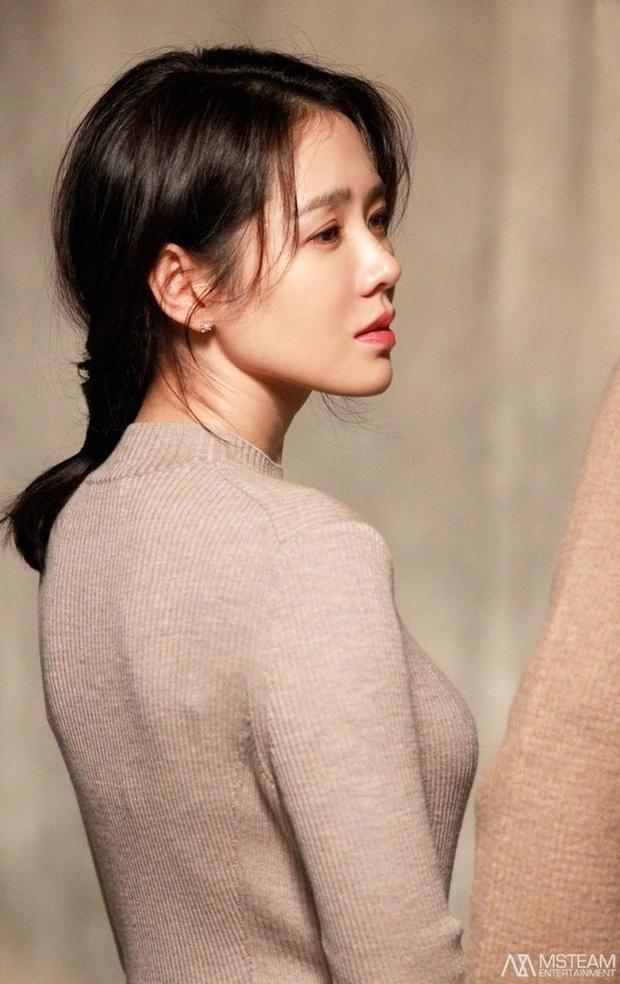 Những bông hồng bước qua cuộc đời Hyun Bin: Nhan sắc tới tài sản chênh lệch quá lớn, diễn viên vô danh lại viên mãn nhất - Ảnh 2.