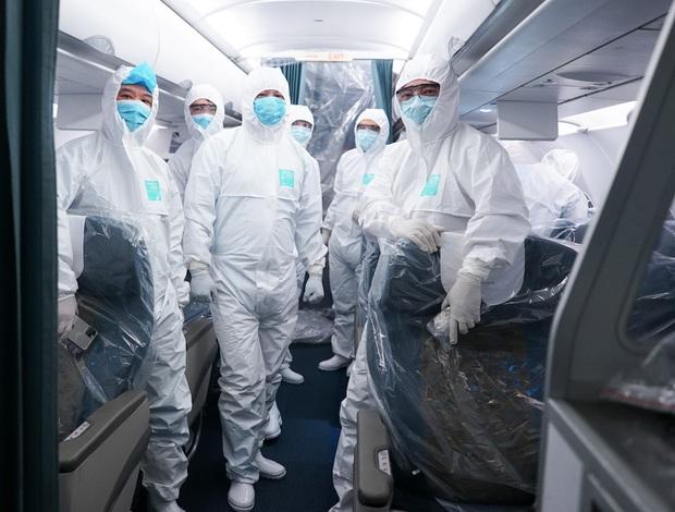 Bác sĩ tự cách ly 14 ngày sau khi đưa 30 công dân từ Vũ Hán về nước: Đây là thời điểm vất vả của ngành y, tôi hy vọng người dân có thể thấu hiểu - Ảnh 3.
