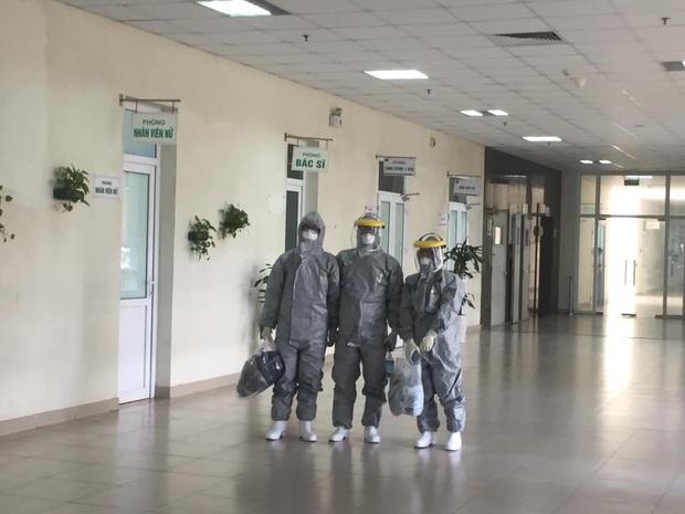 Bác sĩ tự cách ly 14 ngày sau khi đưa 30 công dân từ Vũ Hán về nước: Đây là thời điểm vất vả của ngành y, tôi hy vọng người dân có thể thấu hiểu - Ảnh 1.