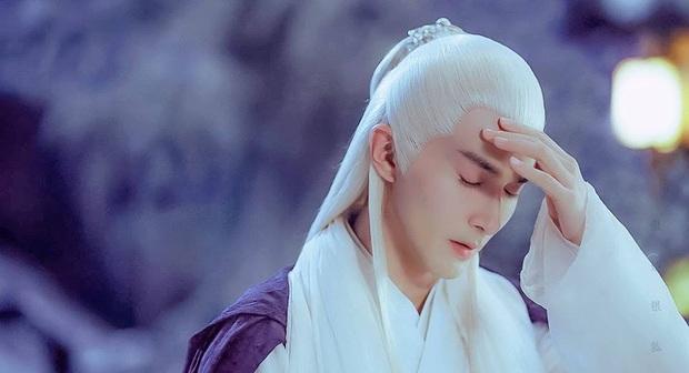 Địch Lệ Nhiệt Ba khiến khán giả Chẩm Thượng Thư phát hờn vì được bàn tay đẹp như tranh của Đế Quân cưng nựng - Ảnh 2.
