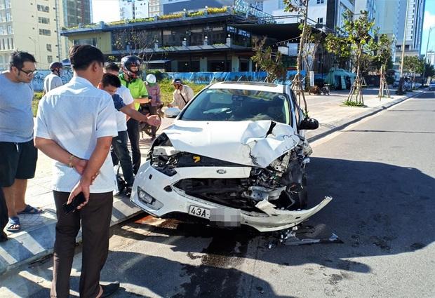Tai nạn liên hoàn trước khu phố Tây Đà Nẵng, 3 người bị thương - Ảnh 2.