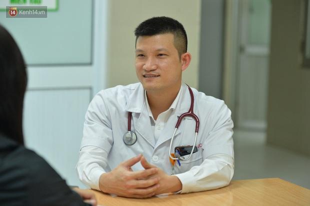 Bác sĩ tự cách ly 14 ngày sau khi đưa 30 công dân từ Vũ Hán về nước: Đây là thời điểm vất vả của ngành y, tôi hy vọng người dân có thể thấu hiểu - Ảnh 6.