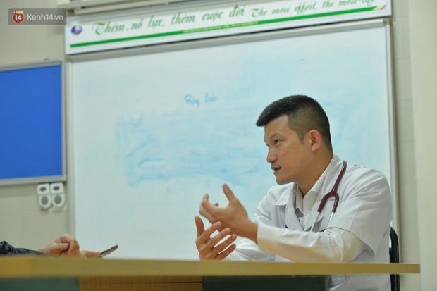 Bác sĩ tự cách ly 14 ngày sau khi đưa 30 công dân từ Vũ Hán về nước: Đây là thời điểm vất vả của ngành y, tôi hy vọng người dân có thể thấu hiểu - Ảnh 2.