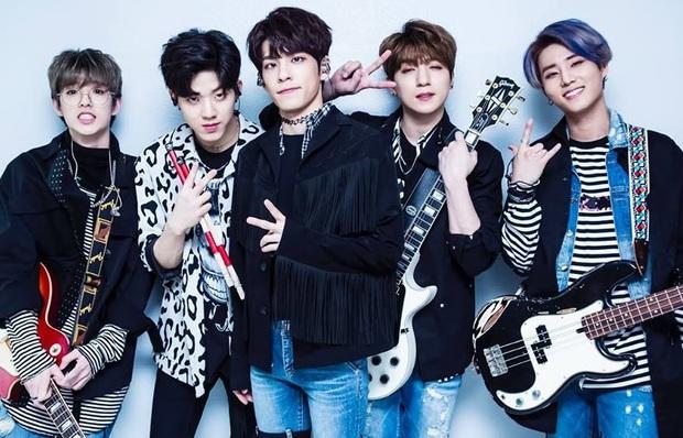 """Boygroup debut năm 2015 sau 5 năm: iKON từ """"tân binh khủng long"""" thành """"bom xịt"""", hàng loạt nhóm mất thành viên, chỉ 1 nhóm thành """"ông hoàng album"""" thế hệ mới - Ảnh 7."""