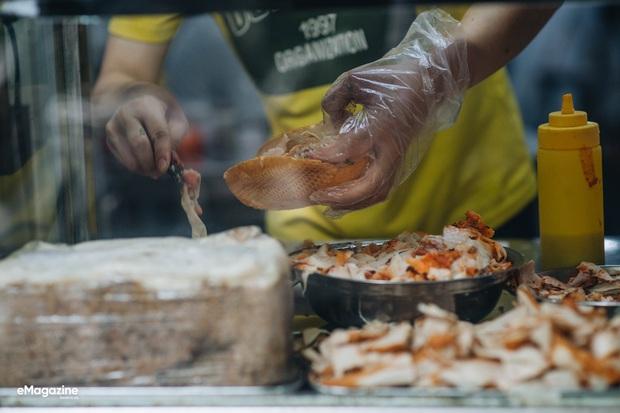 Ai chê bánh mì Việt Nam? Đây là câu chuyện về những chiếc bánh đã khiến cả thế giới phải trầm trồ - Ảnh 1.