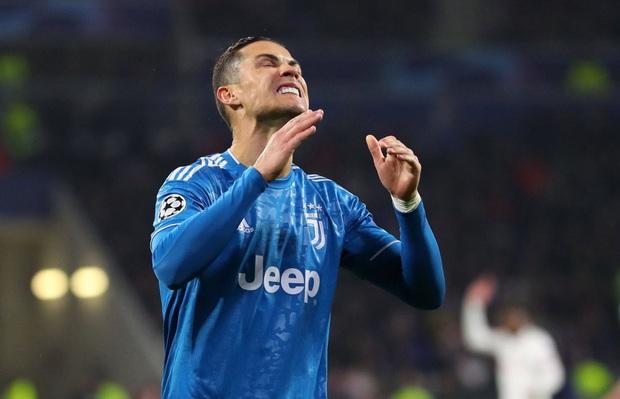 Bị đối thủ hết ăn vạ rồi đổ tội oan, Ronaldo đáp trả bằng kiểu cười độc chưa từng xuất hiện trước kia, báo Ý liền xuýt xoa: Xứng đáng làm meme - Ảnh 5.