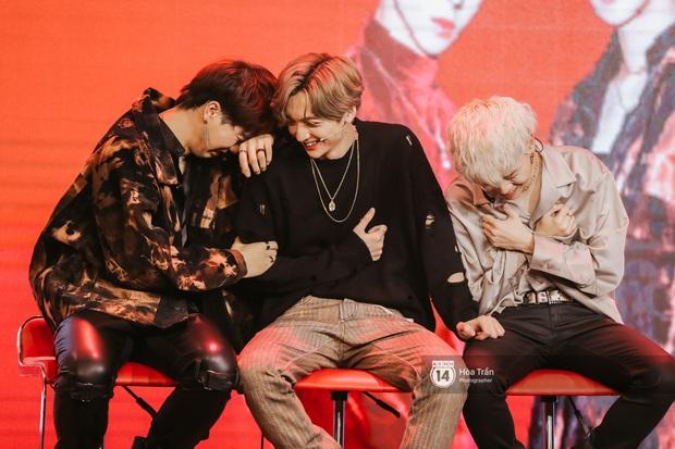 MAMAMOO gửi lời chúc mừng debut đến em trai D1Verse tại Việt Nam, MV ra mắt ổn rồi nhưng khả năng vừa hát live vừa nhảy thế nào? - Ảnh 7.