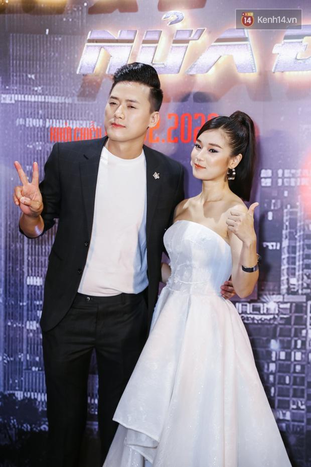 Hoàng Yến Chibi lên đồ siêu xinh nhưng bị chặt đẹp bởi màn makeup quá đà của Quách Ngọc Tuyên ở thảm đỏ Cuốc Xe Nửa Đêm - Ảnh 2.