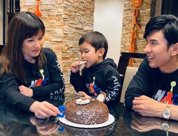 Vợ chồng Đan Trường tổ chức sinh nhật 3 tuổi cực giản dị cho quý tử tại biệt thự triệu đô ở Mỹ, tiết lộ chuyện chưa kể trong ngày sinh bé - Ảnh 4.