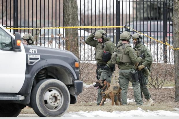Xả súng tại nhà máy bia Mỹ, ít nhất 6 người chết - Ảnh 1.