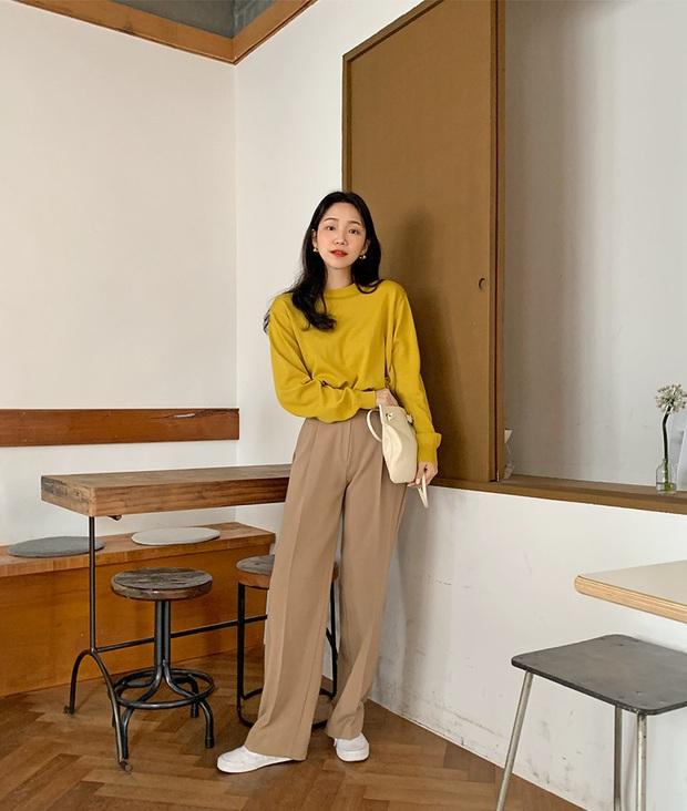 Phát chán khi diện mãi quần jeans, đây là 4 mẫu quần vừa thoải mái vừa hack dáng các nàng nên tích cực mặc - Ảnh 1.