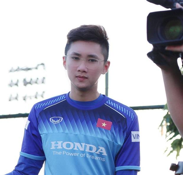 Điểm danh các doctor 9x trai xinh gái đẹp của thể thao Việt Nam nhân ngày 27/2 - Ảnh 8.