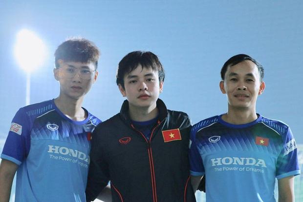 Điểm danh các doctor 9x trai xinh gái đẹp của thể thao Việt Nam nhân ngày 27/2 - Ảnh 9.