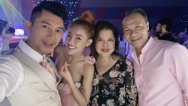 Lương Bằng Quang đăng ảnh cưới bên Ngân 98, netizen ồ ạt chúc mừng nhưng vẫn bán tín bán nghi - Ảnh 6.