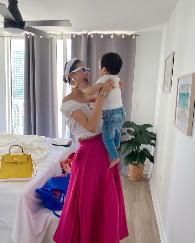 Hết Ngọc Trinh lại đến Phạm Hương là nạn nhân của váy hiệu – váy chợ do thợ ảnh không có tâm - Ảnh 3.