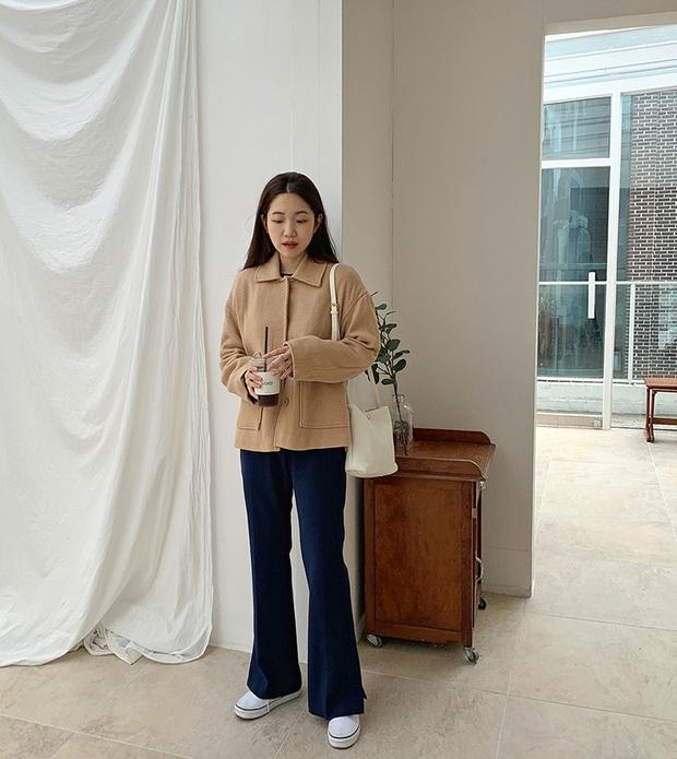 Phát chán khi diện mãi quần jeans, đây là 4 mẫu quần vừa thoải mái vừa hack dáng các nàng nên tích cực mặc - Ảnh 7.