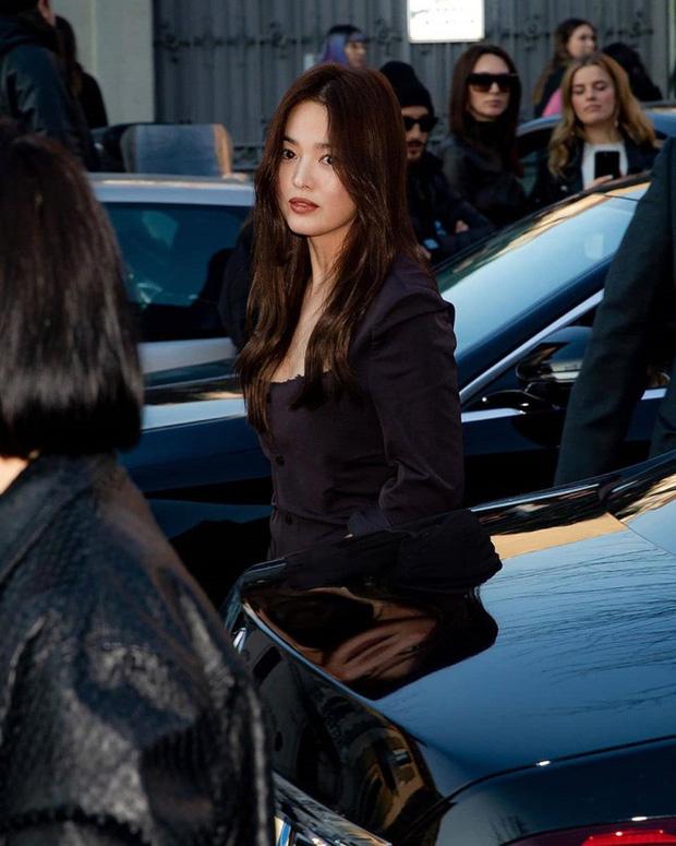 Những bông hồng bước qua cuộc đời Hyun Bin: Nhan sắc tới tài sản chênh lệch quá lớn, diễn viên vô danh lại viên mãn nhất - Ảnh 8.