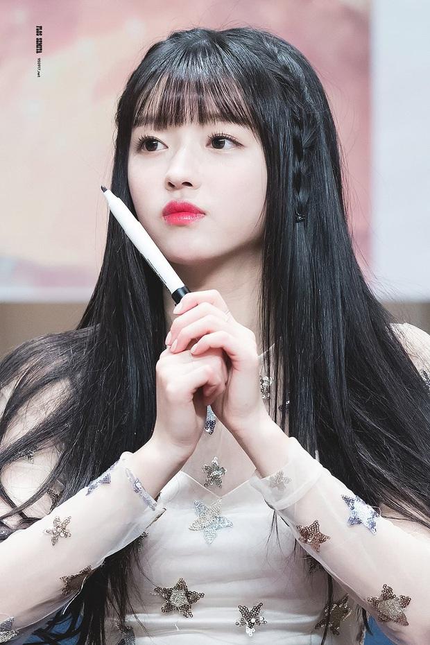 8 nàng búp bê sống của Kpop: Lisa đẹp siêu thực, mỹ nhân đẹp nhất thế giới năm 2019 Tzuyu có đọ lại nổi dàn nữ thần đàn chị? - Ảnh 29.