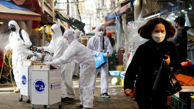 Bệnh nhân đầu tiên ở Hàn Quốc dương tính với virus corona sau khi được chữa khỏi và xuất viện 6 ngày - Ảnh 1.