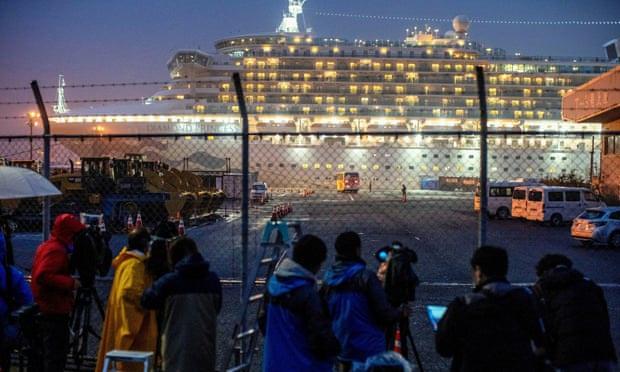 Người Anh đầu tiên qua đời vì nhiễm virus corona là hành khách du thuyền Diamond Princess - Ảnh 1.