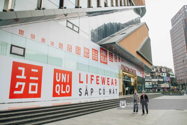 1 tuần trước ngày khai trương, cửa hàng UNIQLO đầu tiên tại Hà Nội đã chiếm trọn spotlight phố Phạm Ngọc Thạch - Ảnh 2.