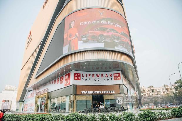 1 tuần trước ngày khai trương, cửa hàng UNIQLO đầu tiên tại Hà Nội đã chiếm trọn spotlight phố Phạm Ngọc Thạch - Ảnh 1.