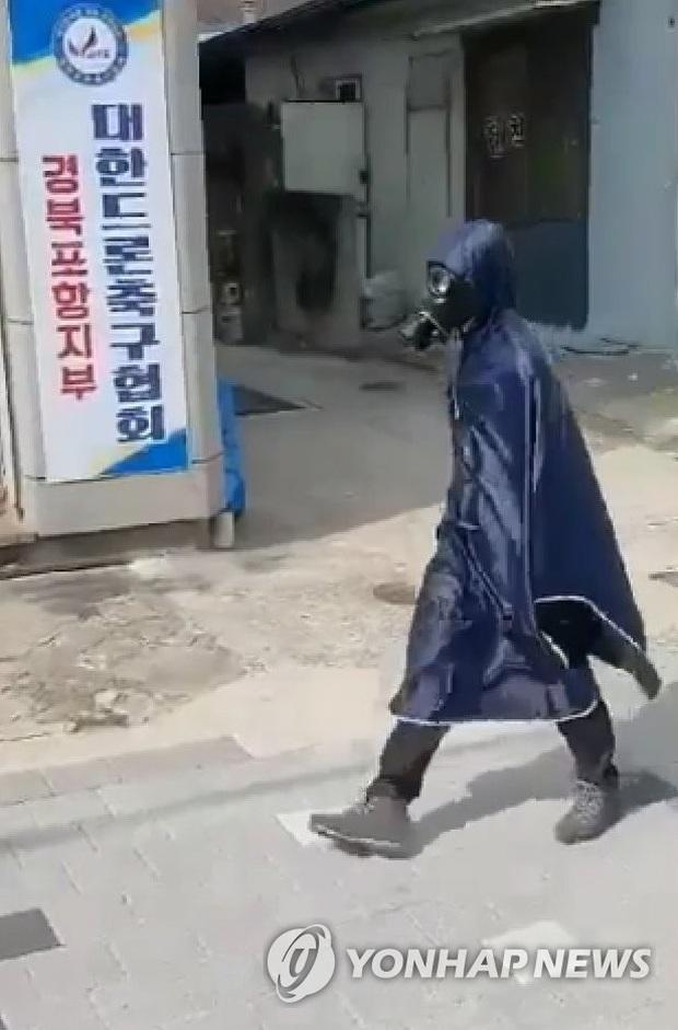 Người Hàn Quốc sau 1 tháng đối chọi dịch virus corona: Quanh quẩn trong nhà, mất khái niệm thời gian, săn tìm mặt nạ phòng độc  - Ảnh 2.