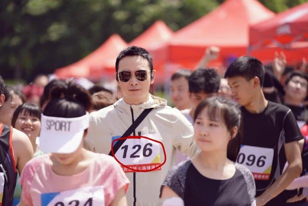 Mê vợ như La Tấn: Nhất cử nhất động đều nhớ tới Đường Yên, fan soi từng khoảnh khắc ngọt hơn đường - Ảnh 2.