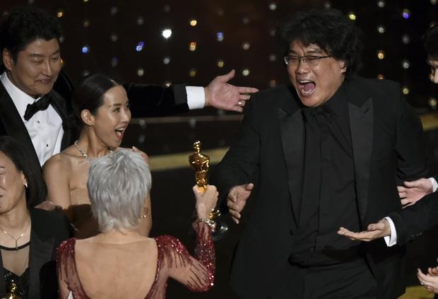 Chuyện trái đào tai quái ở Parasite hóa ra được lấy cảm hứng từ đời thật của đạo diễn Bong Joon Ho - Ảnh 1.