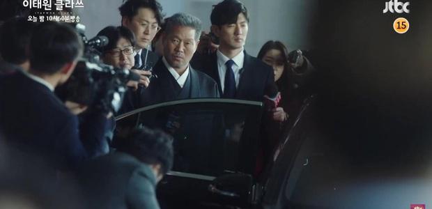 Preview tập 10 Tầng Lớp Itaewon ngập drama: Oh Soo Ah đòi khai trừ quý tử Jangga, Park Sae Ro Yi tiễn chủ tịch vào tù thành công? - Ảnh 4.