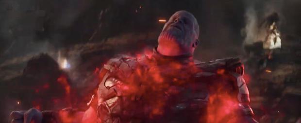 Fan Marvel giờ mới hoảng hốt phát hiện ra trong ENDGAME, gã đô con Thanos được đầu tư hẳn bộ... lông cánh? - Ảnh 5.