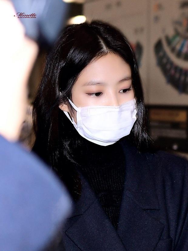 Chuyện thật như đùa: Bởi vì gương mặt quá nhỏ nên Jennie, V và rất nhiều idol được khuyên dùng khẩu trang trẻ em để đảm bảo an toàn mùa dịch bệnh Covid-19 - Ảnh 5.
