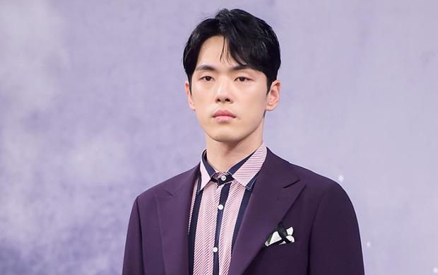 BXH 30 minh tinh hot nhất hiện nay: Cặp đôi Itaewon Class đúng là đối thủ bất ngờ của Hyun Bin - Son Ye Jin, dàn cast 2 bộ phim thầu gần hết top 10 - Ảnh 9.