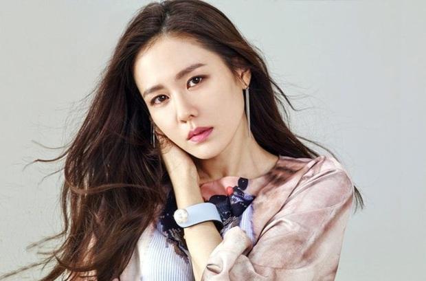 BXH 30 minh tinh hot nhất hiện nay: Cặp đôi Itaewon Class đúng là đối thủ bất ngờ của Hyun Bin - Son Ye Jin, dàn cast 2 bộ phim thầu gần hết top 10 - Ảnh 4.