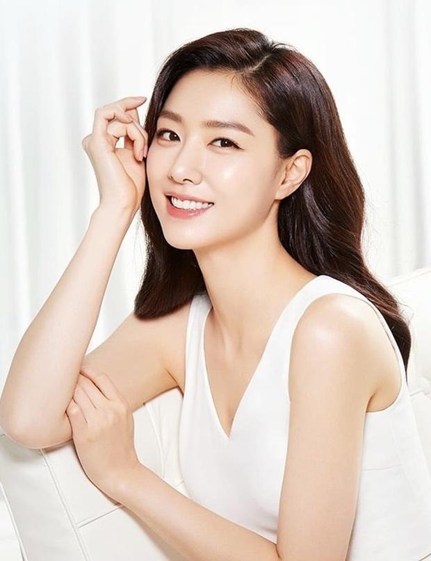 BXH 30 minh tinh hot nhất hiện nay: Cặp đôi Itaewon Class đúng là đối thủ bất ngờ của Hyun Bin - Son Ye Jin, dàn cast 2 bộ phim thầu gần hết top 10 - Ảnh 8.