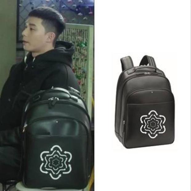 Park Seo Joon đúng là đại gia ngầm trong Itaewon Class: Đeo đồng hồ ngàn đô, balo chục triệu, mặc đồ đẹp hơn cả mẫu hãng - Ảnh 3.