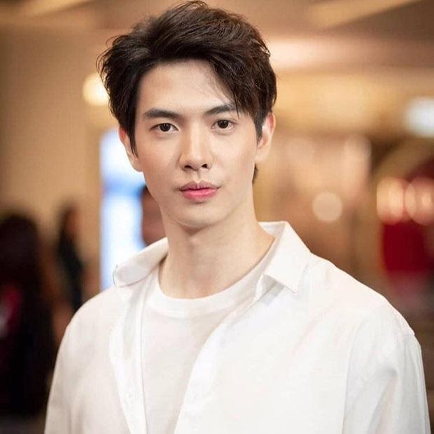 YouTuber người Thái với màn react MV của BTS mặn như muối biển: Không làm trò thì anh cũng nổi vì đẹp trai - Ảnh 8.