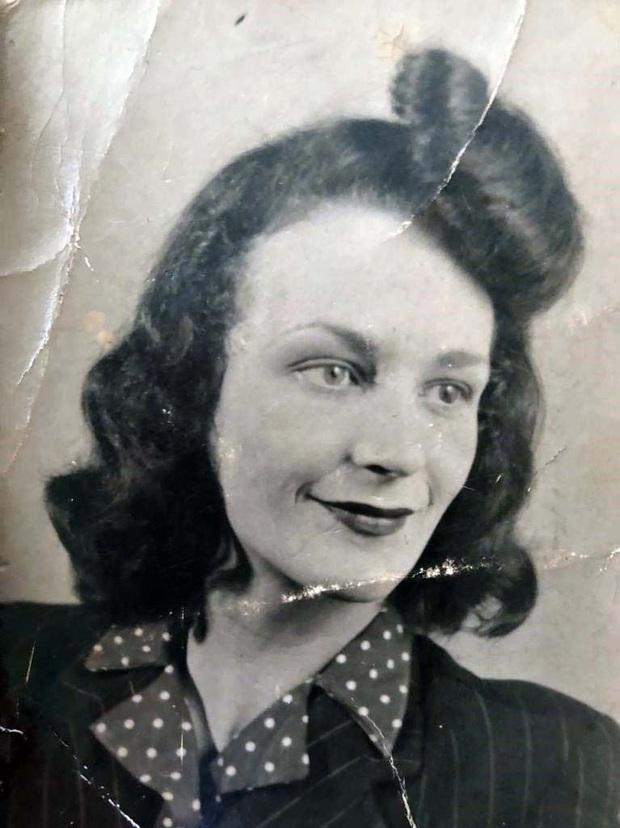 """Chiếc bánh sinh nhật """"25 tuổi"""" độc nhất của bà cụ sinh vào ngày 29/02, đợi 100 năm để được nổi tiếng - Ảnh 1."""